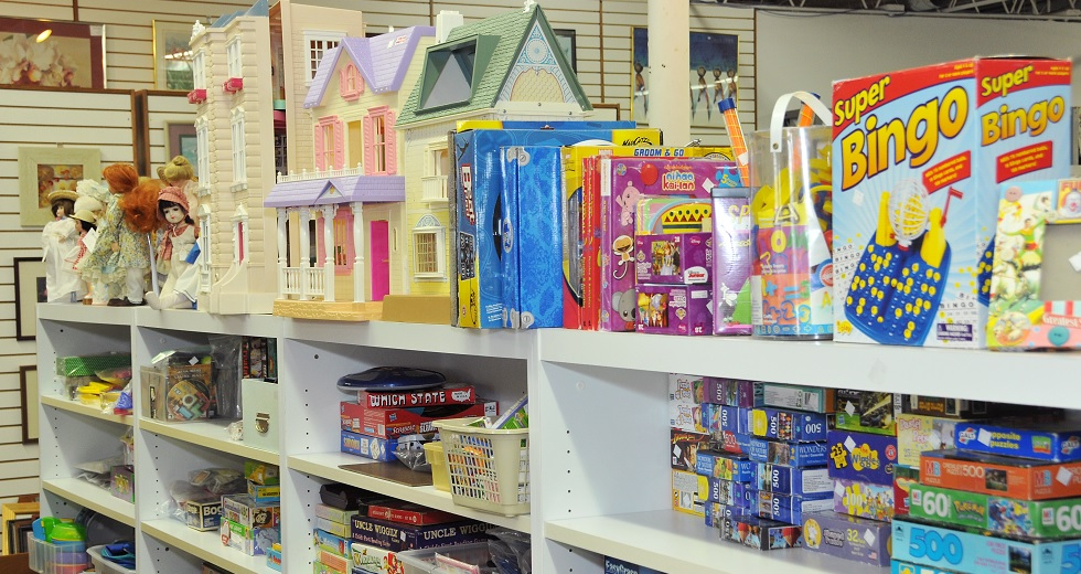 thrift shop dolls toys and games